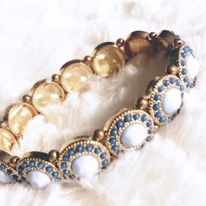 Francesca's Collection blue stretch bracelet.
